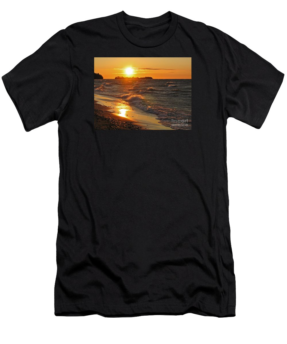 Sunset Men's T-Shirt (Athletic Fit) featuring the photograph Superior Sunset by Ann Horn