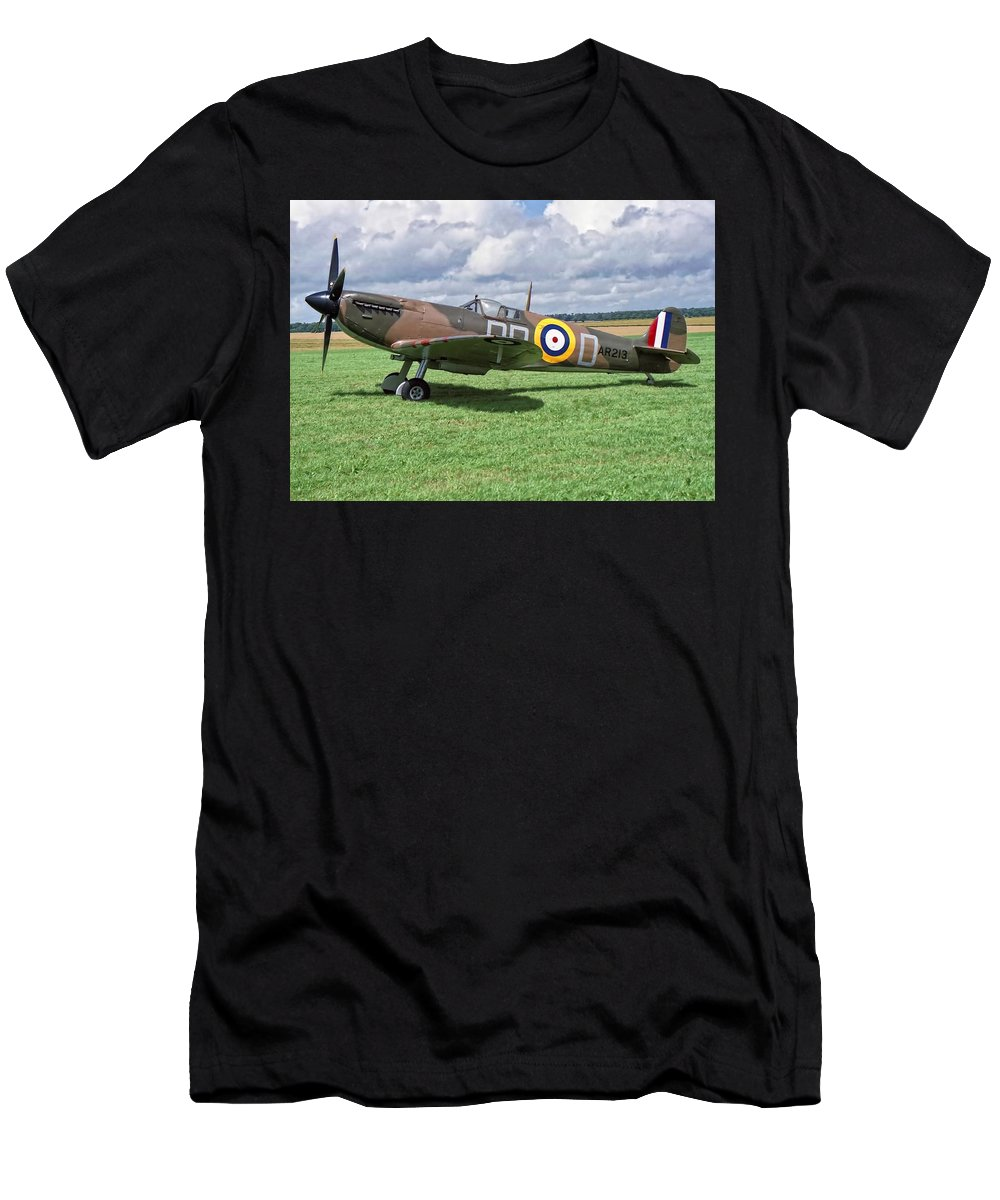 Supermarine Men's T-Shirt (Athletic Fit) featuring the photograph Supermarine Spitifire 1a by Paul Gulliver