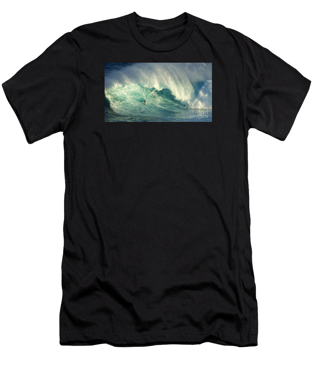 Surf Men's T-Shirt (Athletic Fit) featuring the photograph Surfing Jaws Hang Loose Brother by Bob Christopher