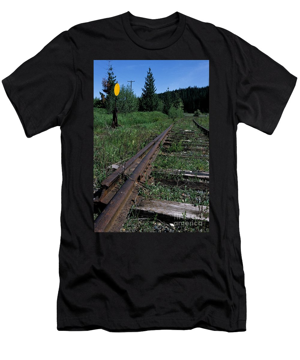 Railroad Men's T-Shirt (Athletic Fit) featuring the photograph Switch At Pierce by Sharon Elliott