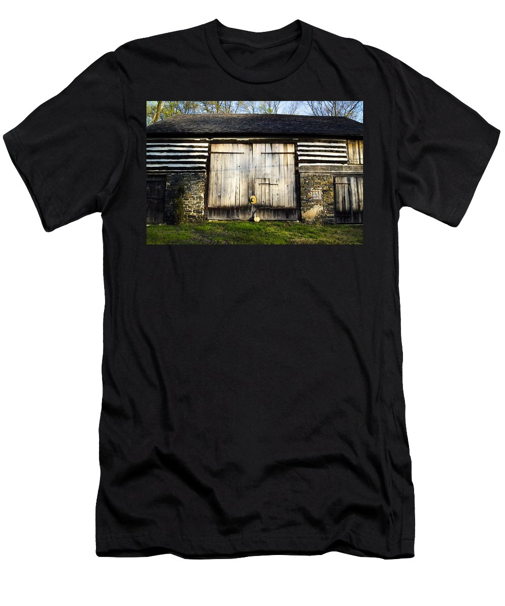 The Men's T-Shirt (Athletic Fit) featuring the photograph The Barn And The Banjo Mandolin by Bill Cannon