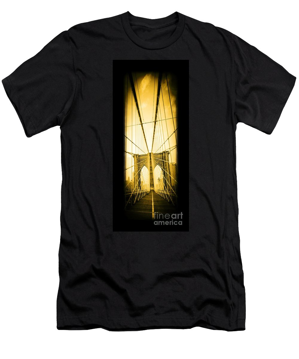 Brooklyn Men's T-Shirt (Athletic Fit) featuring the photograph The Brooklyn Bridge New York by Edward Fielding