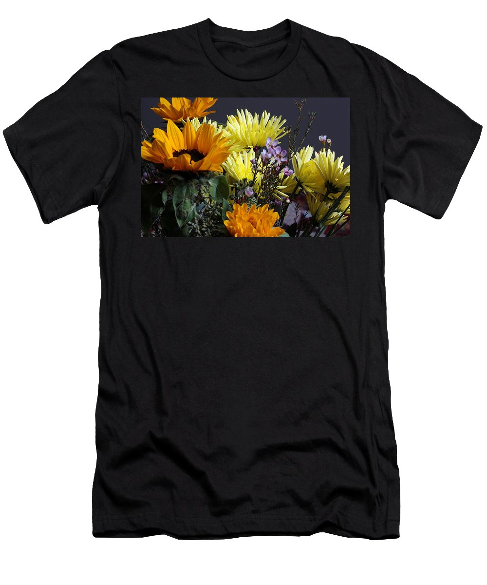 Flower Men's T-Shirt (Athletic Fit) featuring the photograph The Colors Of Spring by Joe Kozlowski
