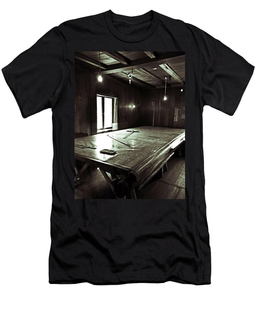 Architecture Men's T-Shirt (Athletic Fit) featuring the photograph The Drawing Room by Holly Blunkall