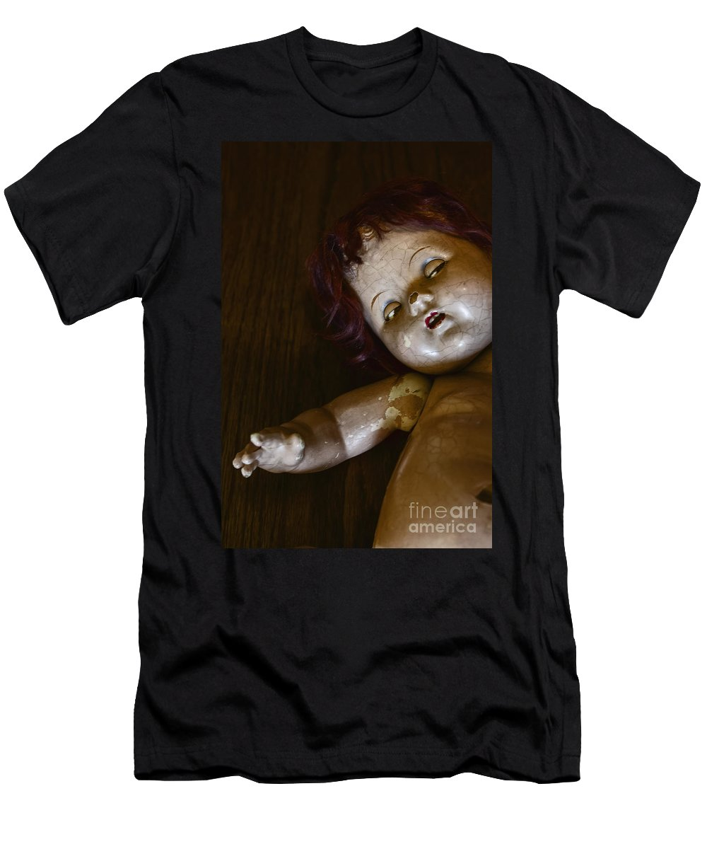 Broken Men's T-Shirt (Athletic Fit) featuring the photograph The Eyes by Margie Hurwich
