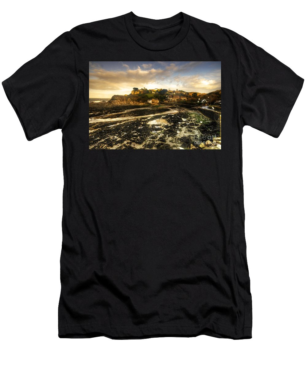 Lee Men's T-Shirt (Athletic Fit) featuring the photograph The Harbour At Lee by Rob Hawkins