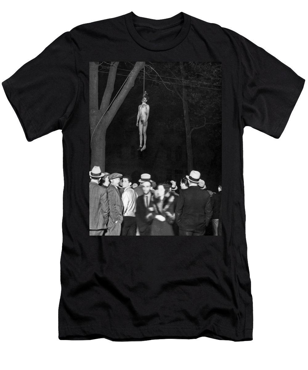 1930s Men's T-Shirt (Athletic Fit) featuring the photograph The Lynching Of A Murderer by Underwood Archives