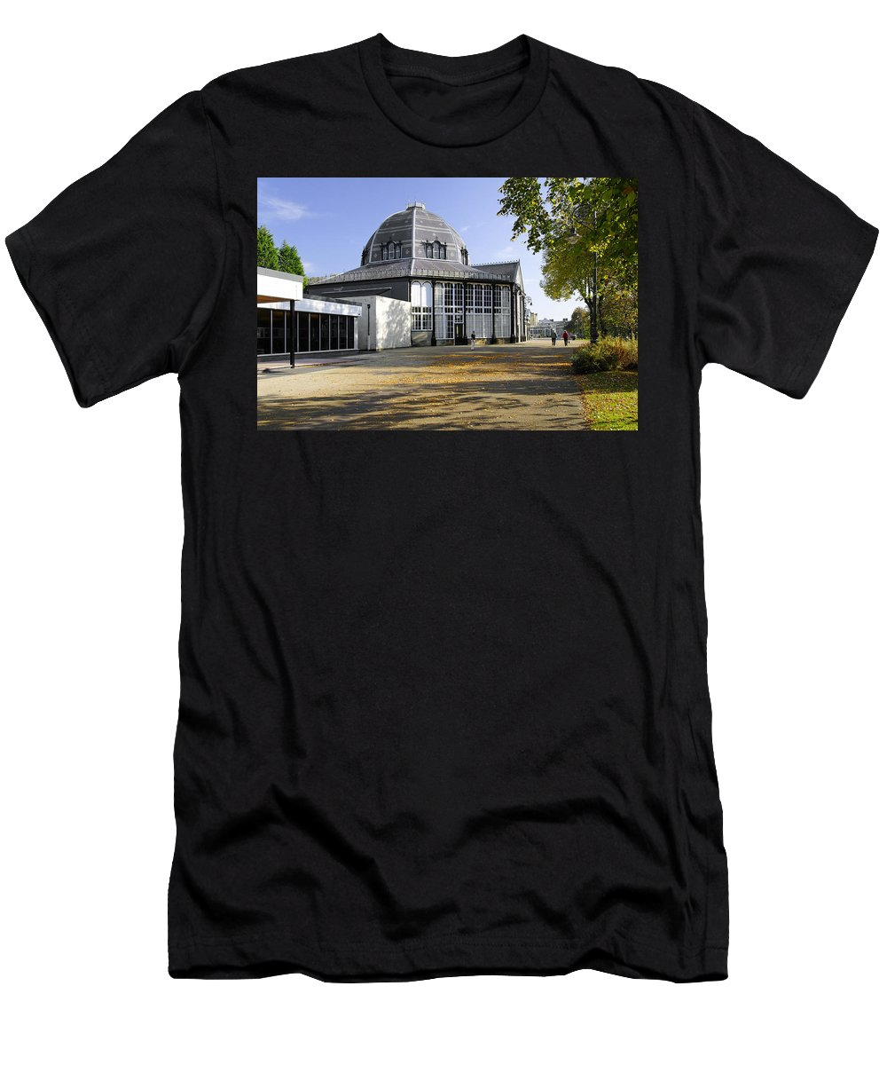 Bright Men's T-Shirt (Athletic Fit) featuring the photograph The Octagon - Buxton Pavilion Gardens by Rod Johnson