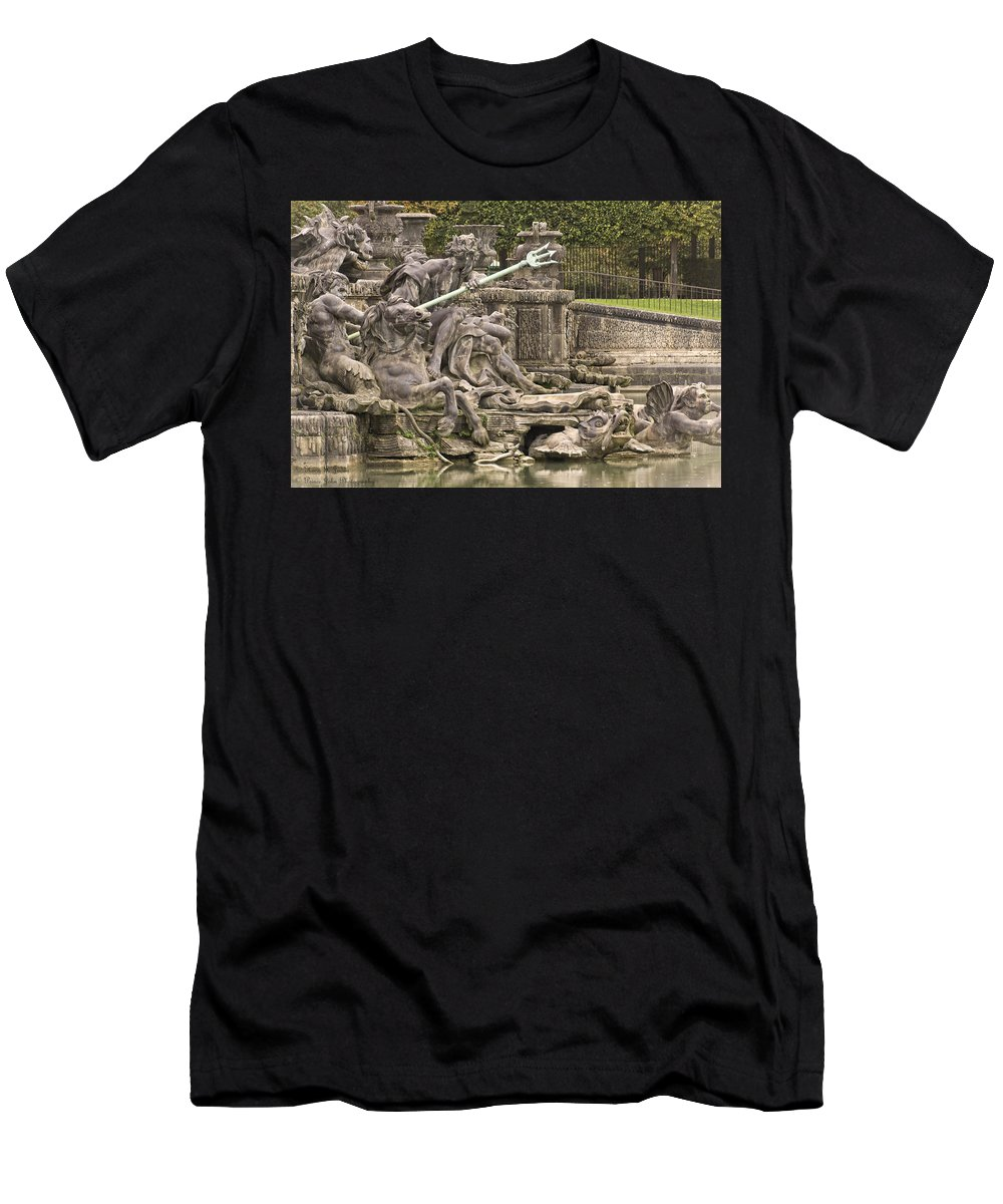 Versailles Men's T-Shirt (Athletic Fit) featuring the photograph The Ponds Of Versailles - 1 by Hany J