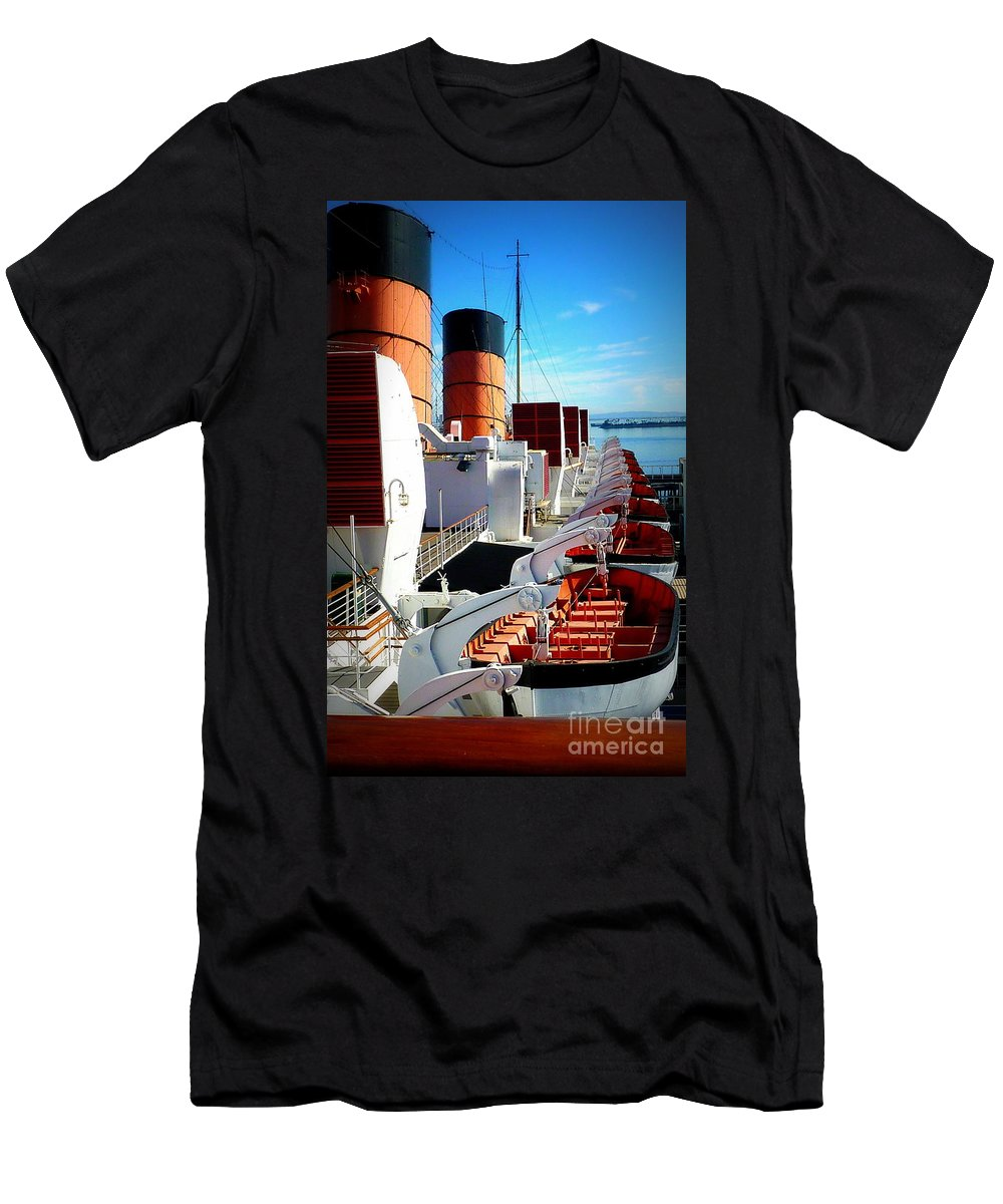 Queen Mary Cruise Ship Men's T-Shirt (Athletic Fit) featuring the photograph The Queen Mary by Susan Garren