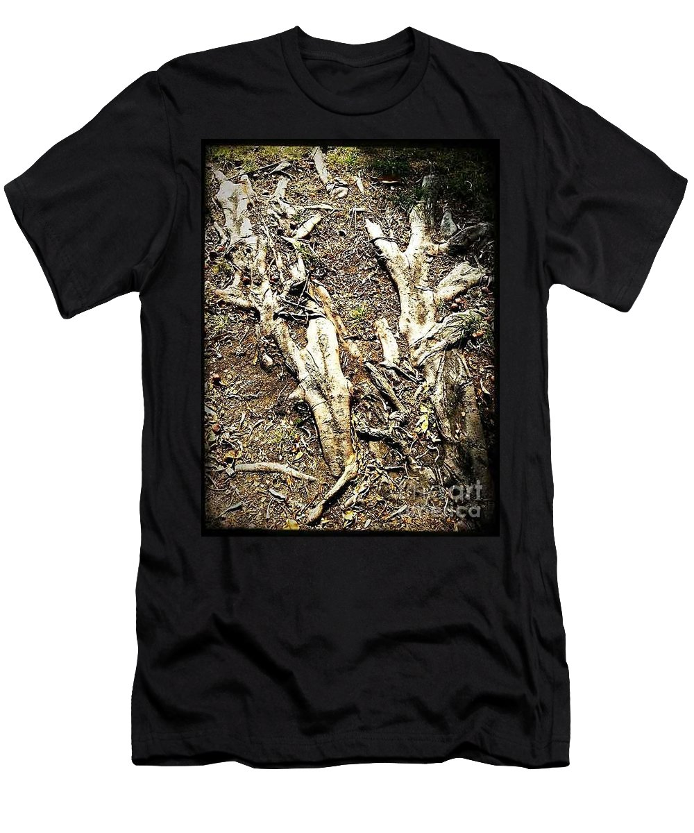Tree Men's T-Shirt (Athletic Fit) featuring the photograph The Static State Induction by Fei A