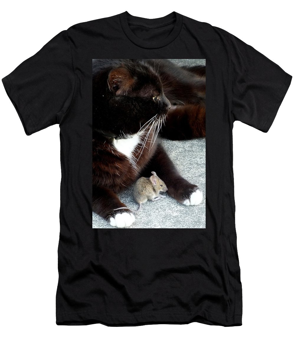 Cat Men's T-Shirt (Athletic Fit) featuring the photograph Tom And Jerry by Guy Pettingell