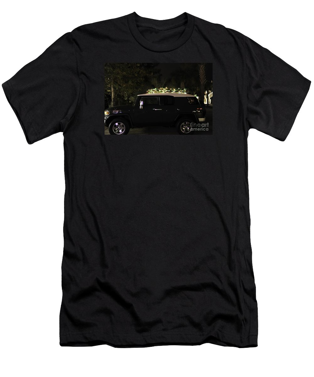 Toyota Men's T-Shirt (Athletic Fit) featuring the photograph Toyota Fj Christmas Lights by Dale Powell