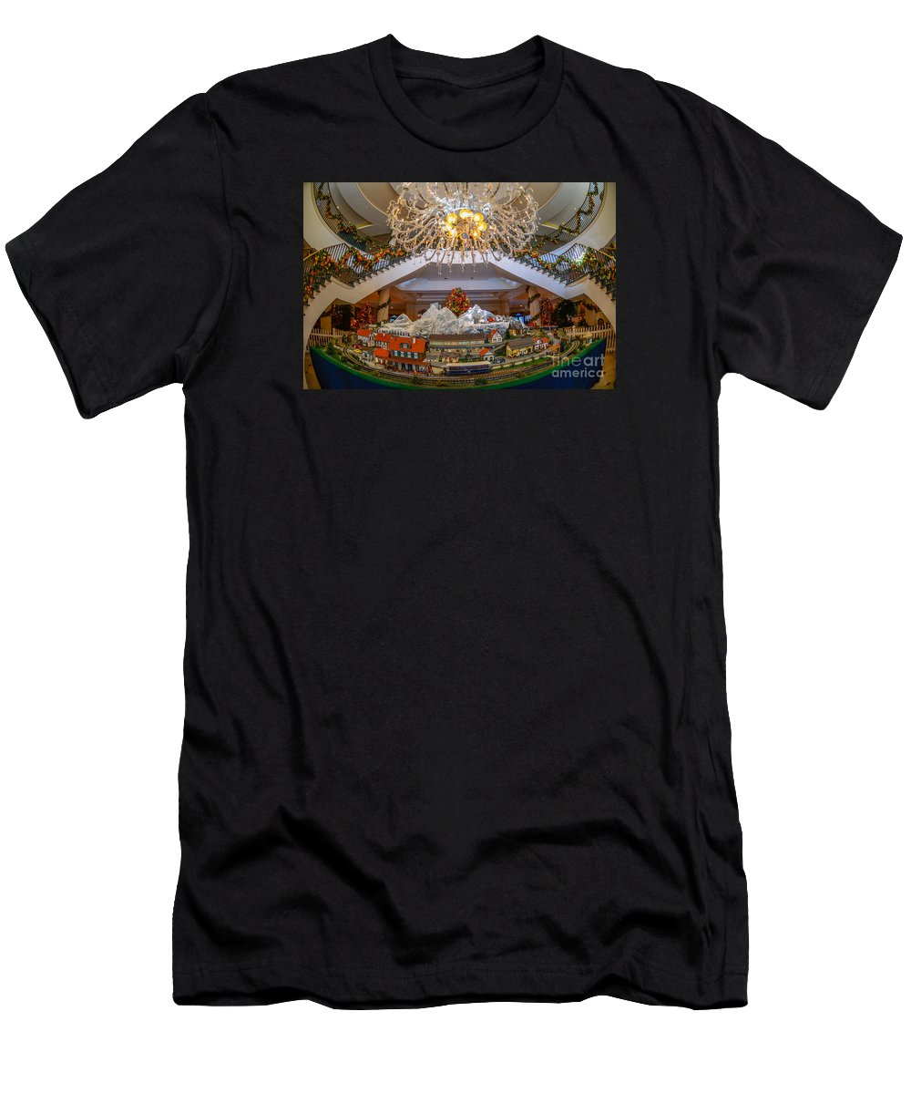 Train Men's T-Shirt (Athletic Fit) featuring the photograph Train Set At Charleston Place Hotel by Dale Powell