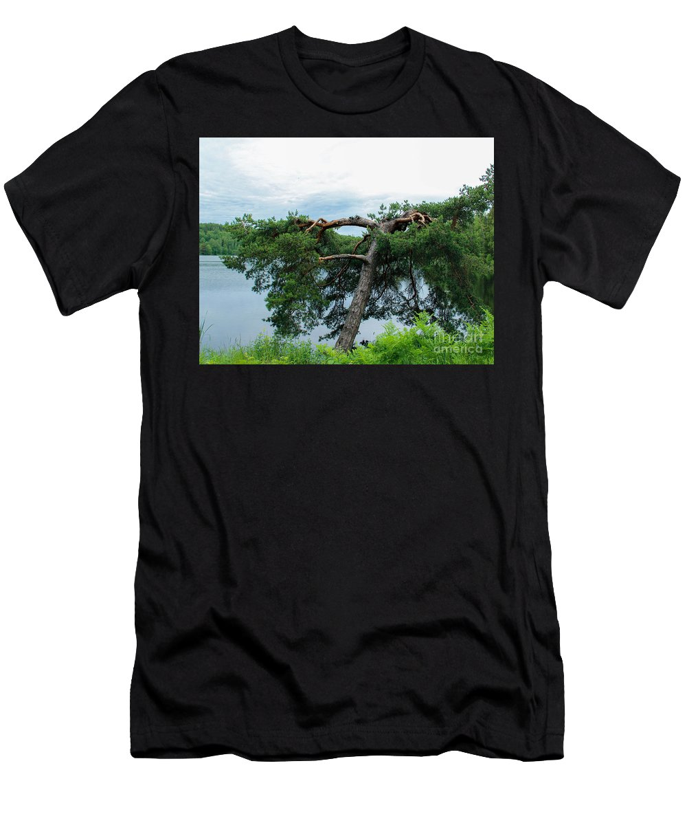 Lightning Men's T-Shirt (Athletic Fit) featuring the photograph Tree Struck By Lightning by Kerstin Ivarsson