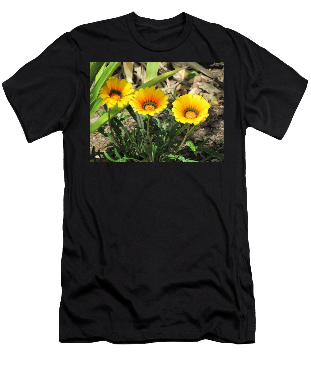 Flowers Men's T-Shirt (Athletic Fit) featuring the photograph Triplets by Dody Rogers