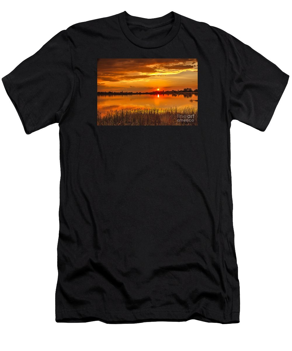 Sunset Men's T-Shirt (Athletic Fit) featuring the photograph Twilight At The Best by Robert Bales