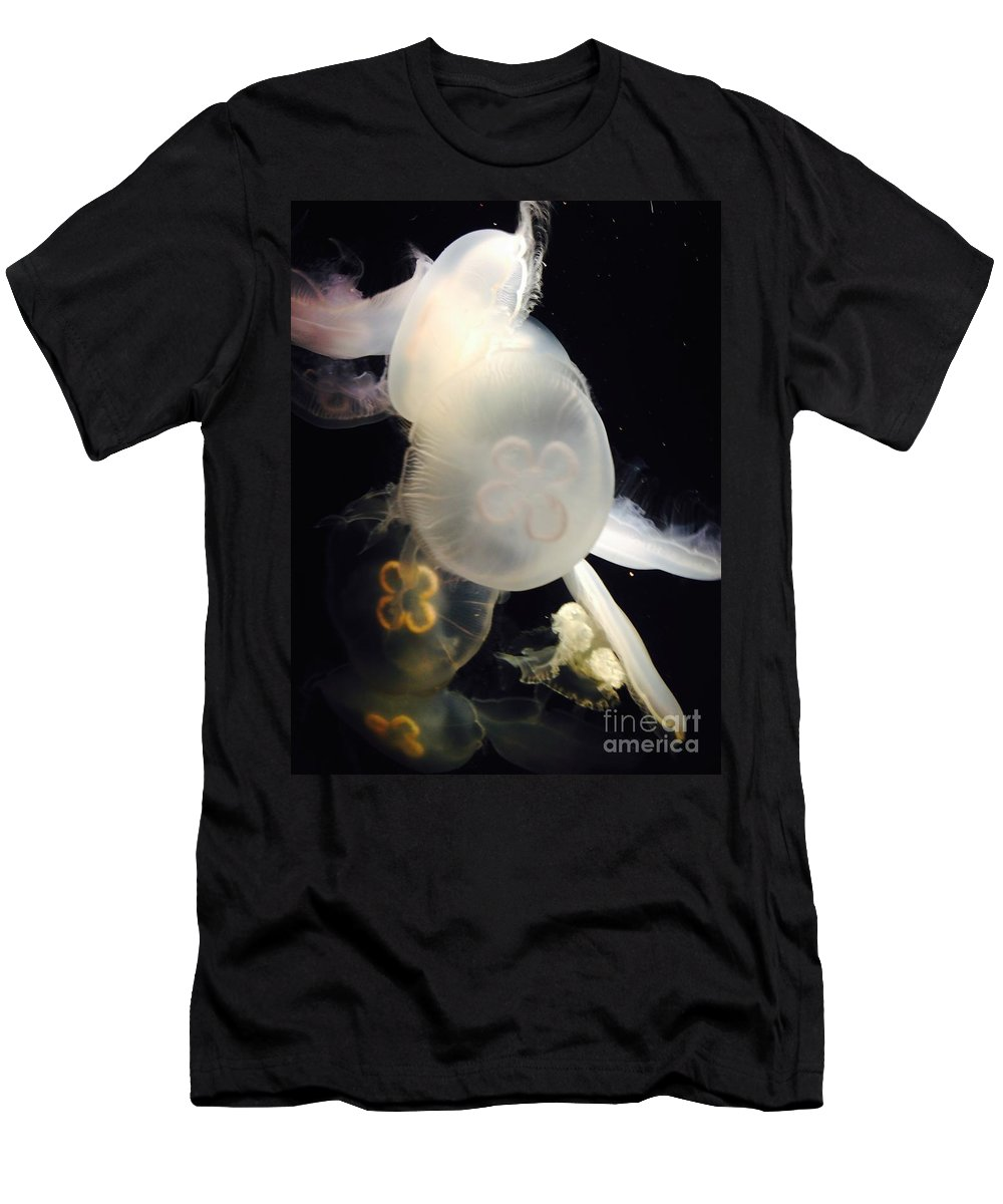 Jellyfish Men's T-Shirt (Athletic Fit) featuring the photograph Umbrella Jellyfish 1 Shot At Long Beach California Aquarium By Richard W Linford by Richard W Linford