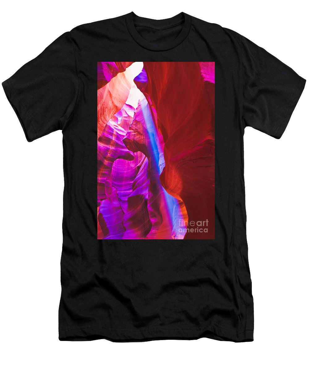Antelope Canyon Men's T-Shirt (Athletic Fit) featuring the photograph Upper Canyon 18 by Larry White