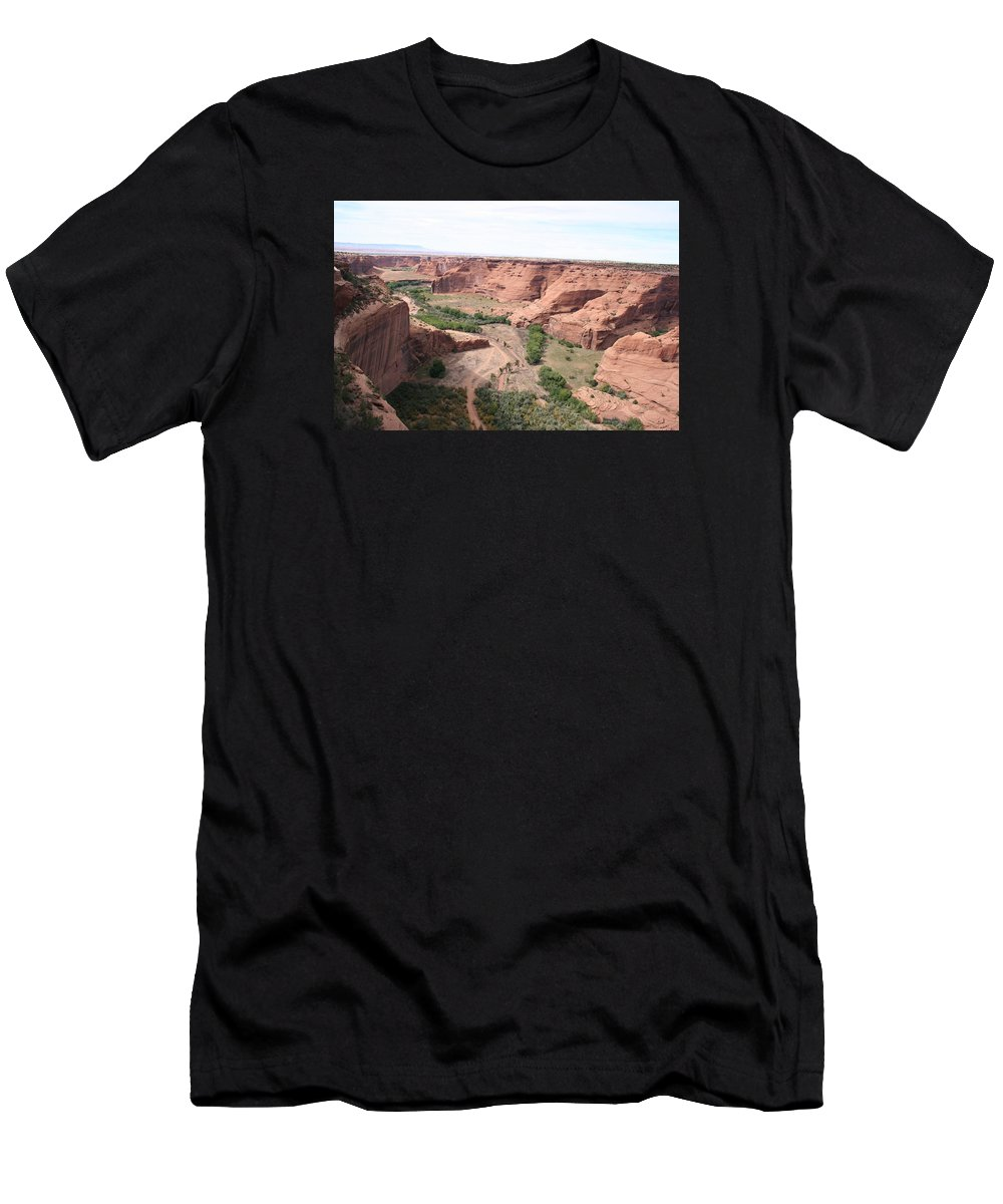 Valley Men's T-Shirt (Athletic Fit) featuring the photograph Canyon De Chelly Valley View  by Christiane Schulze Art And Photography