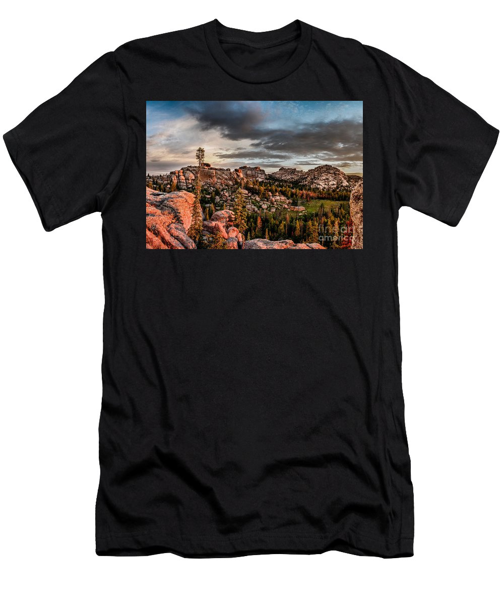 Nature Men's T-Shirt (Athletic Fit) featuring the photograph Vedauwoo View by Steven Reed