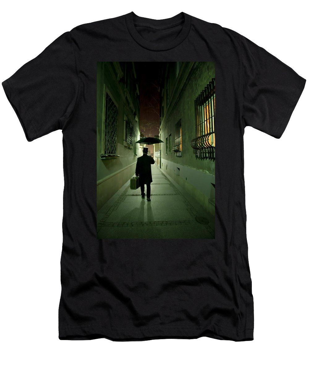 1800 S Men's T-Shirt (Athletic Fit) featuring the photograph Victorian Man With Top Hat Carrying A Suitcase And Umbrella Walking In The Narrow Street At Night by Jaroslaw Blaminsky
