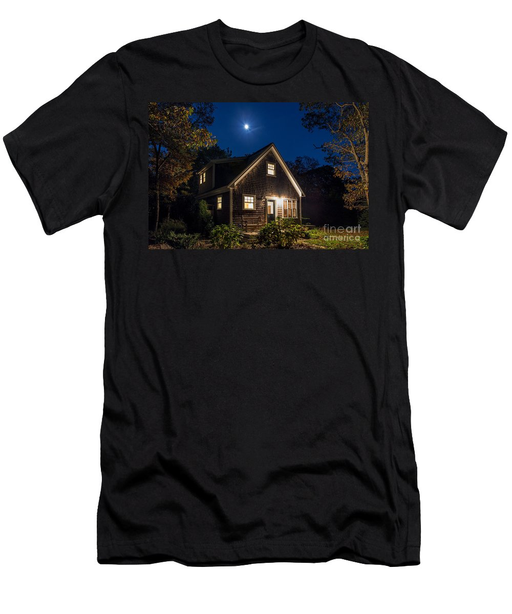 Cape Cod Style Men's T-Shirt (Athletic Fit) featuring the photograph Vineyard Bungalow by John Greim