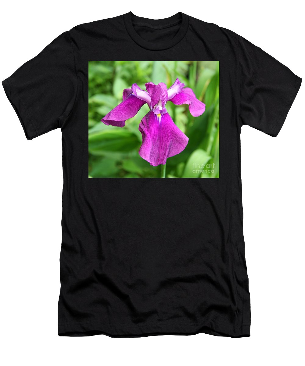 Iris Men's T-Shirt (Athletic Fit) featuring the photograph Violet Moment by Christiane Schulze Art And Photography