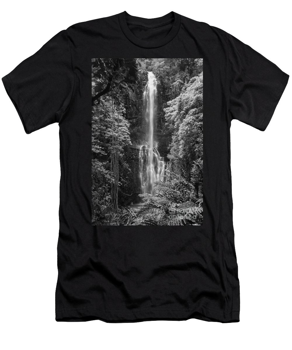 Wailua Falls Road To Hana Maui Hawaii Waterfall Waterfalls Water Landscape Landscapes Tree Trees Vine Vines Fern Ferns Nature Waterscape Waterscapes Black And White Men's T-Shirt (Athletic Fit) featuring the photograph Wailua Falls 2 by Bob Phillips