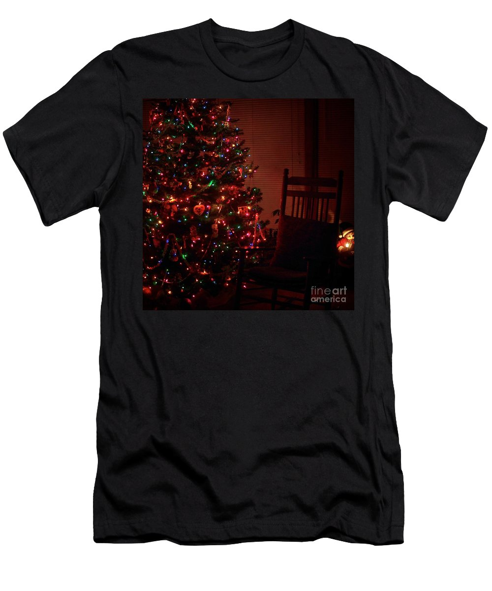 Christmas Cards T-Shirt featuring the photograph Waiting For Christmas - Square by Frank J Casella