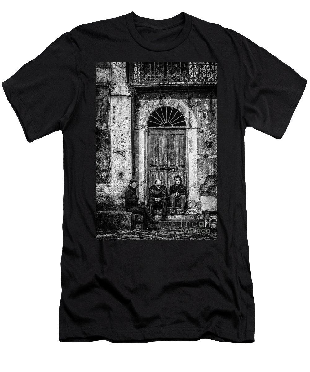 Waiting Men's T-Shirt (Athletic Fit) featuring the photograph Waiting In Ravello by Paul Woodford