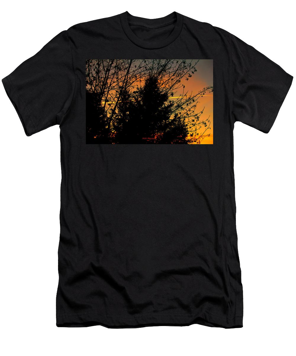 Sunset Men's T-Shirt (Athletic Fit) featuring the photograph Warmth In My Soul by Jeanette C Landstrom