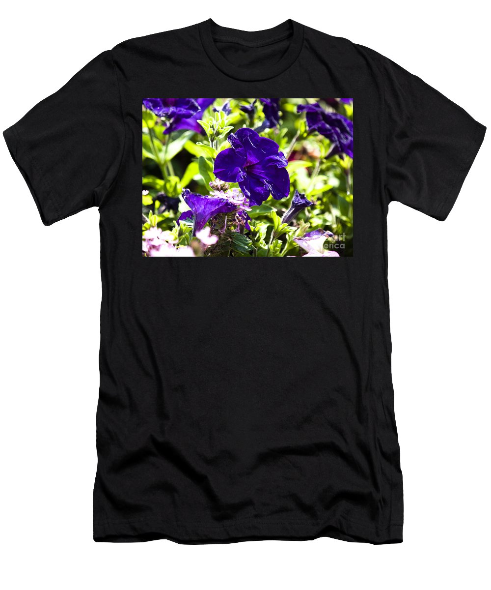 Quean's Garden Men's T-Shirt (Athletic Fit) featuring the photograph Wascana-148 by David Fabian