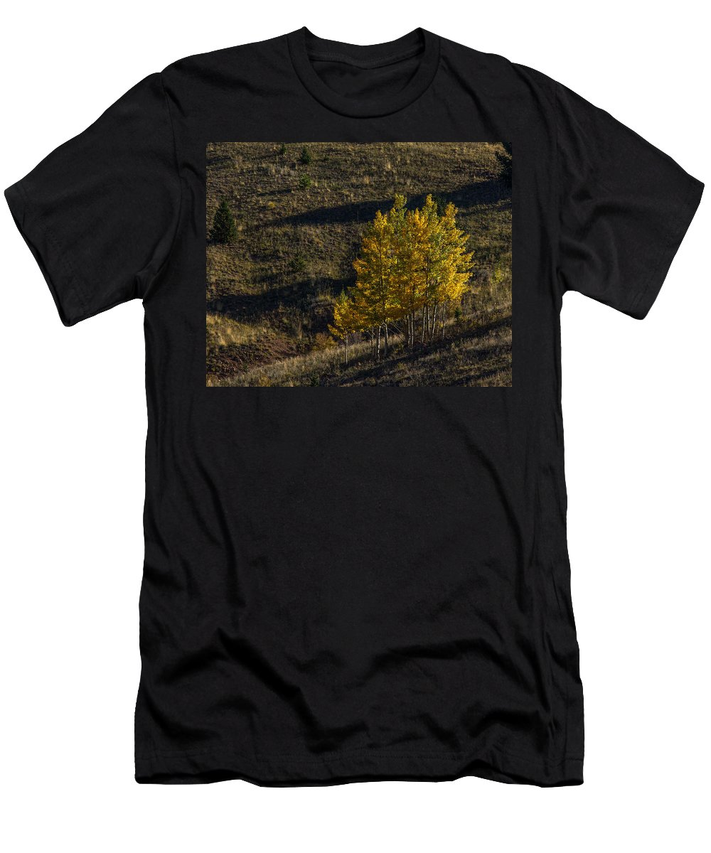 Autumn Men's T-Shirt (Athletic Fit) featuring the photograph Welcome To A New Day by Ernie Echols