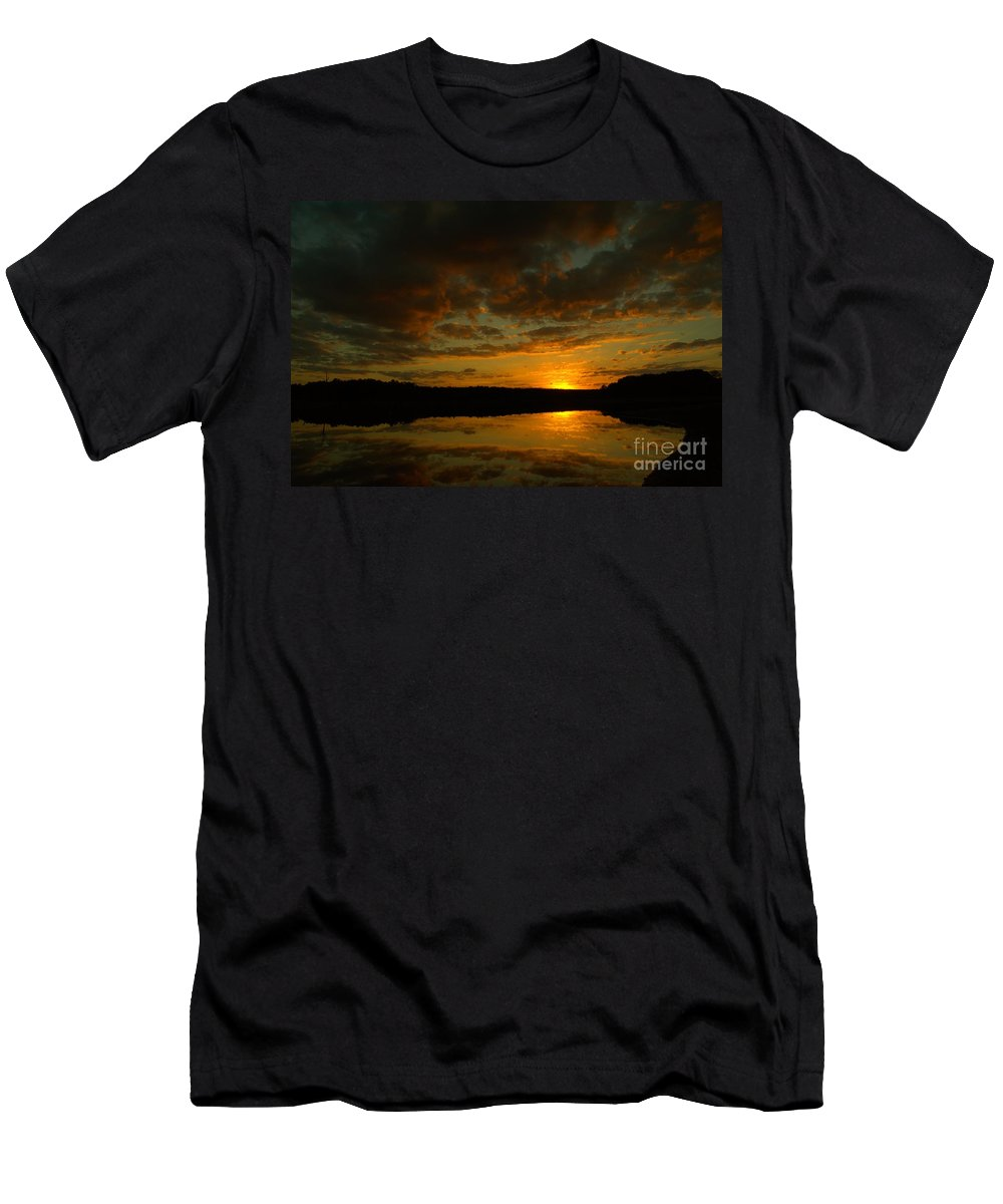 Sunset Men's T-Shirt (Athletic Fit) featuring the photograph What A Sunset by Donna Brown