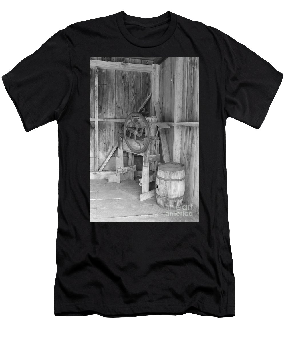 Wb Men's T-Shirt (Athletic Fit) featuring the photograph Whiskey Barrel by Angie Andress
