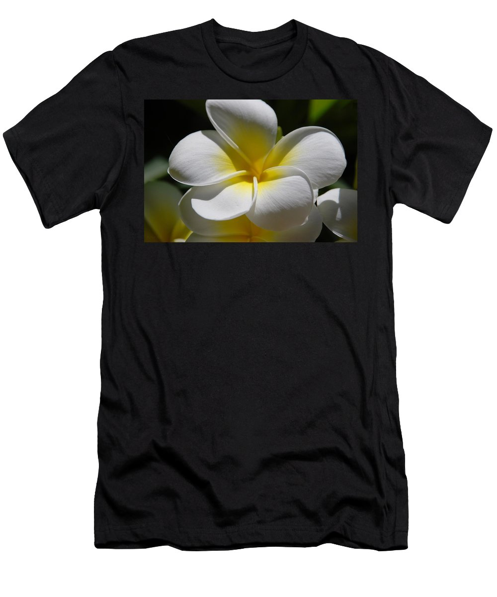 Nature Men's T-Shirt (Athletic Fit) featuring the photograph White Bloom by Rob Hans