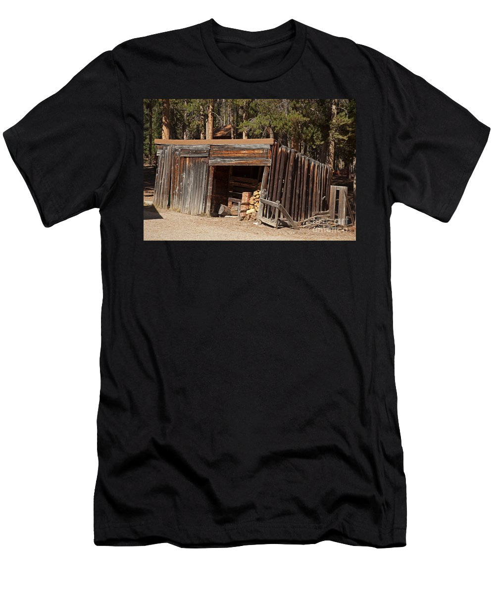 Afternoon Men's T-Shirt (Athletic Fit) featuring the photograph Woodshed On The Holzwarth Historic Site by Fred Stearns