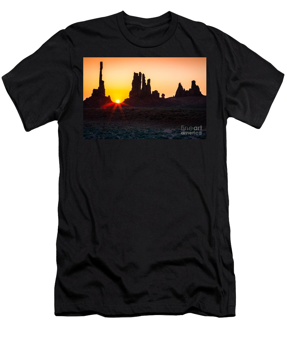America Men's T-Shirt (Athletic Fit) featuring the photograph Yei-bi-chei Rays by Inge Johnsson
