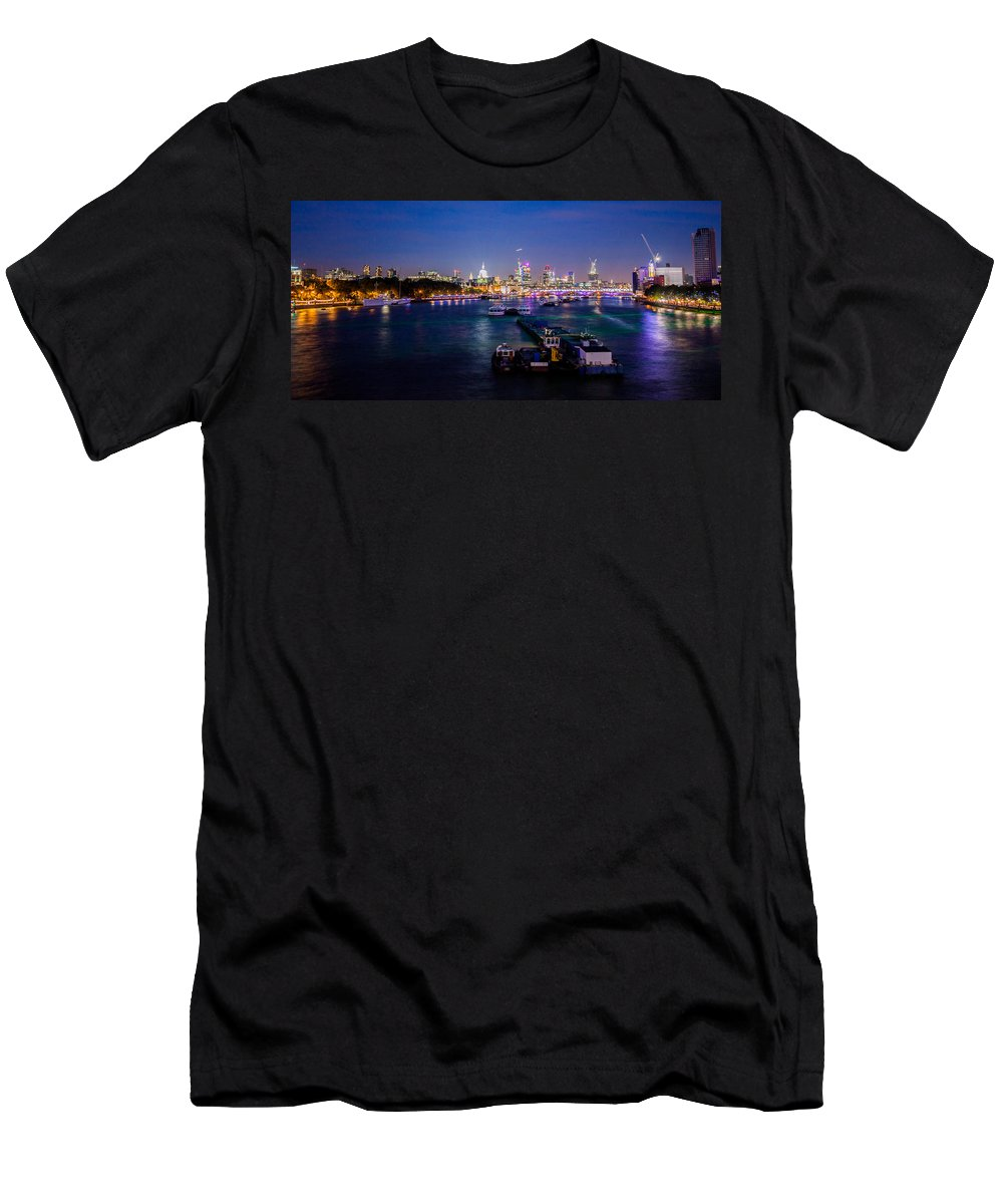 London Men's T-Shirt (Athletic Fit) featuring the photograph London Skyline Sunset by Dawn OConnor