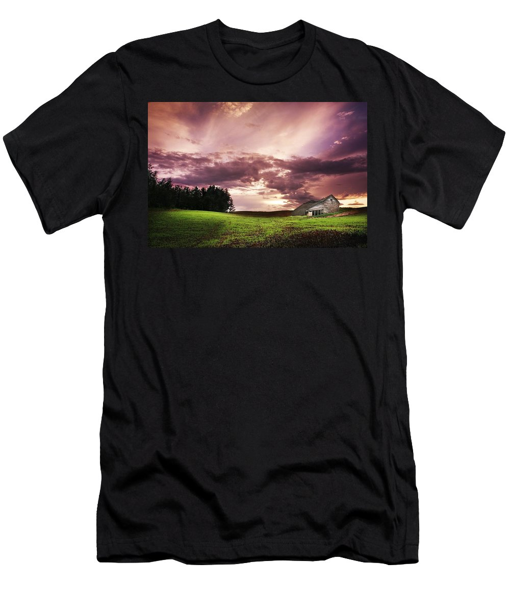 Albert Men's T-Shirt (Athletic Fit) featuring the photograph A Lonely Farm Building In An Open Field by Chris Knorr