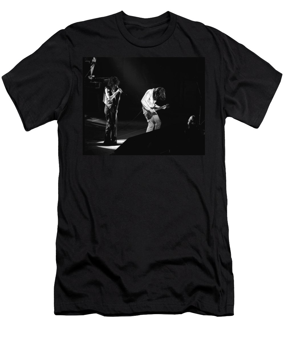 Aerosmith Men's T-Shirt (Athletic Fit) featuring the photograph Aerosmith In Spokane 19 by Ben Upham