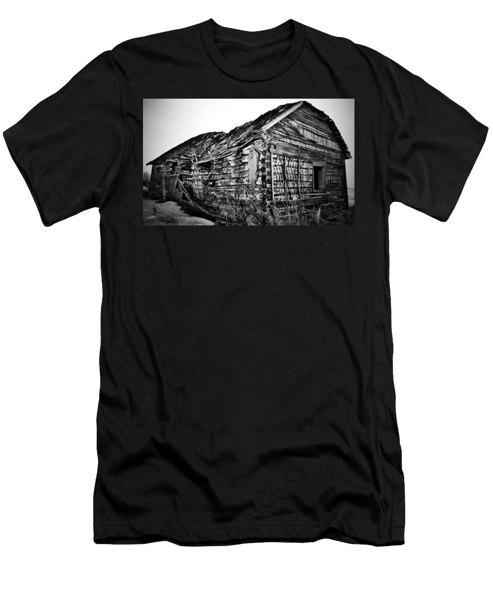 Barn Men's T-Shirt (Athletic Fit) featuring the photograph Barn 643 by The Artist Project