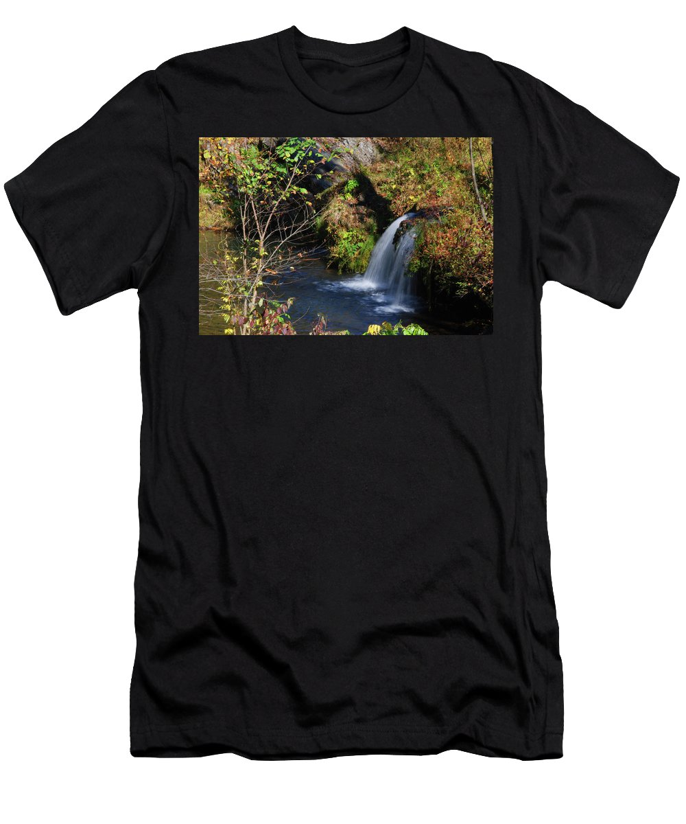 Waterfalls Men's T-Shirt (Athletic Fit) featuring the photograph Bedlam Farm 8349 by Guy Whiteley
