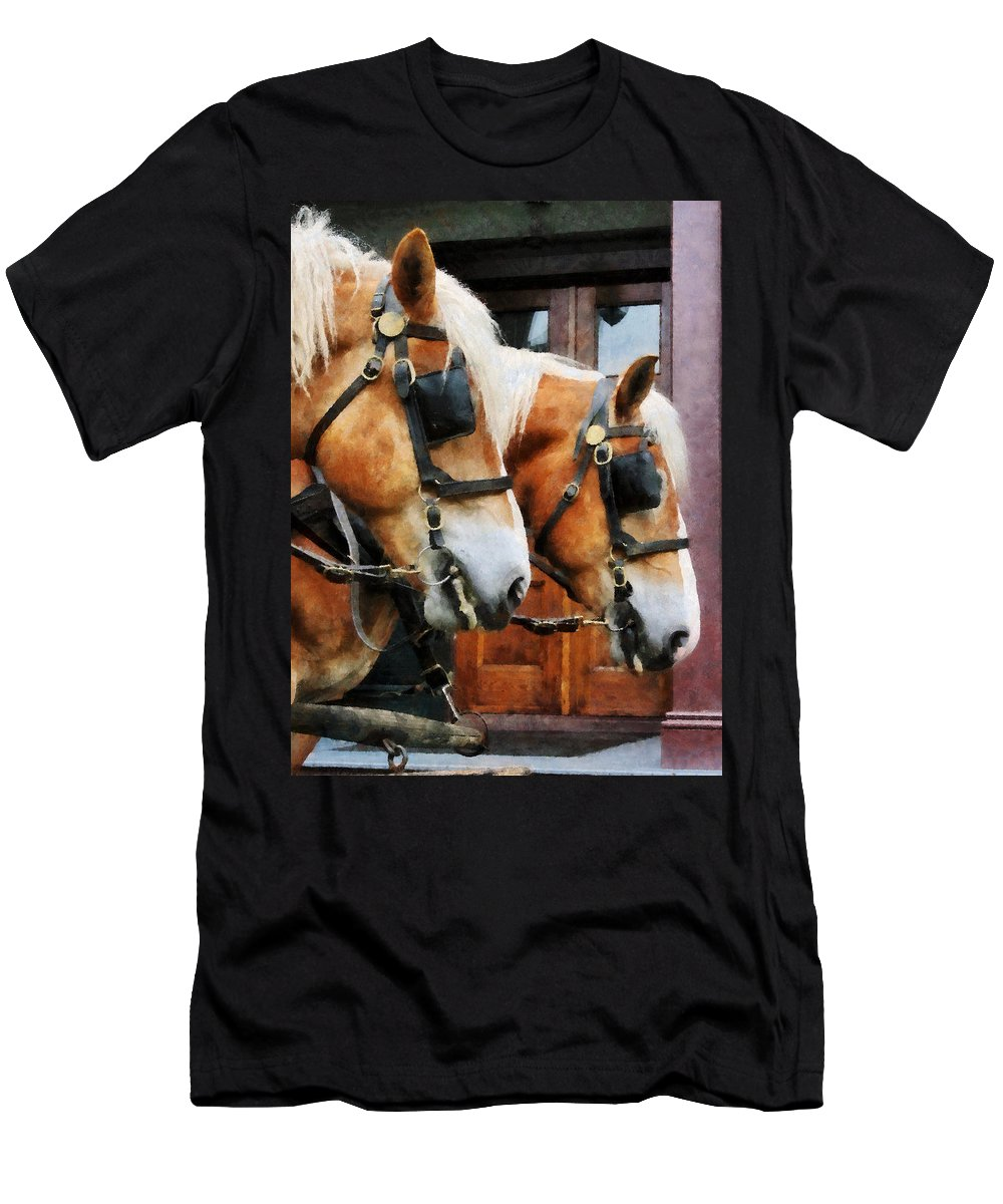 Horse Men's T-Shirt (Athletic Fit) featuring the photograph Clydesdale Closeup by Susan Savad