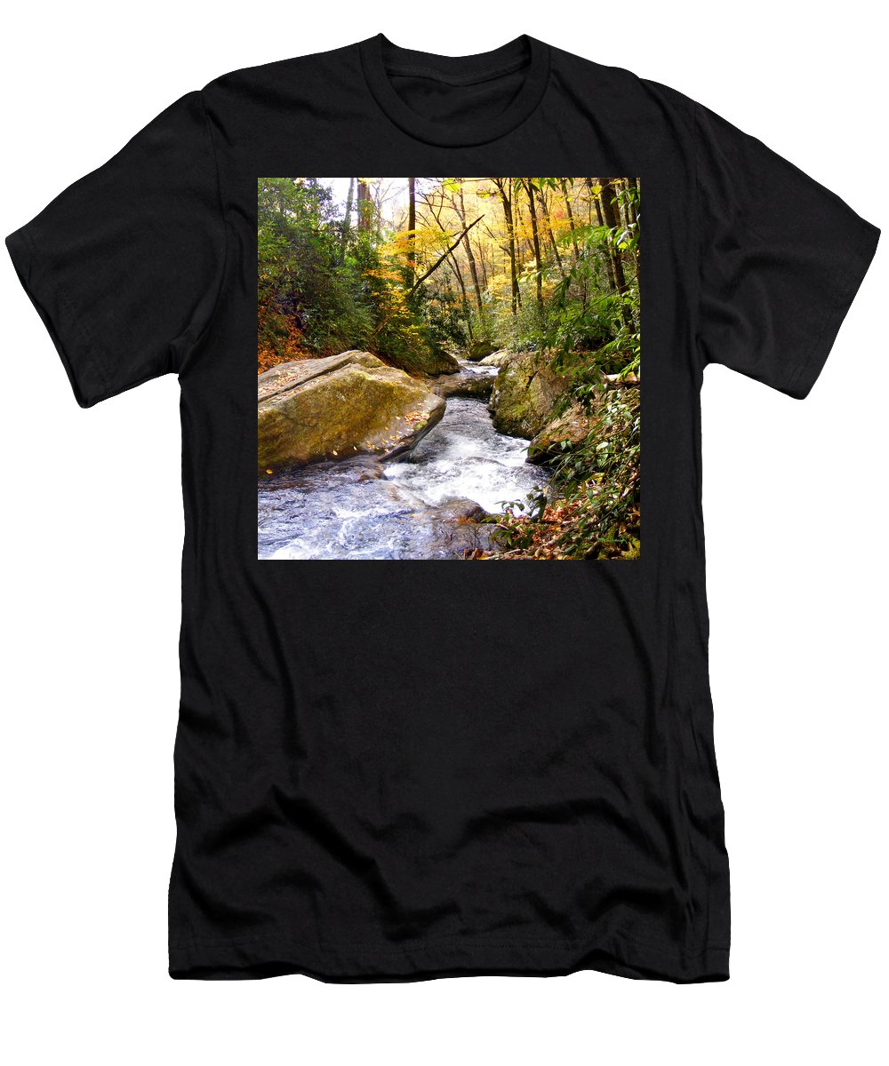 Courthouse Men's T-Shirt (Athletic Fit) featuring the photograph Courthouse River In The Fall 2 by Duane McCullough