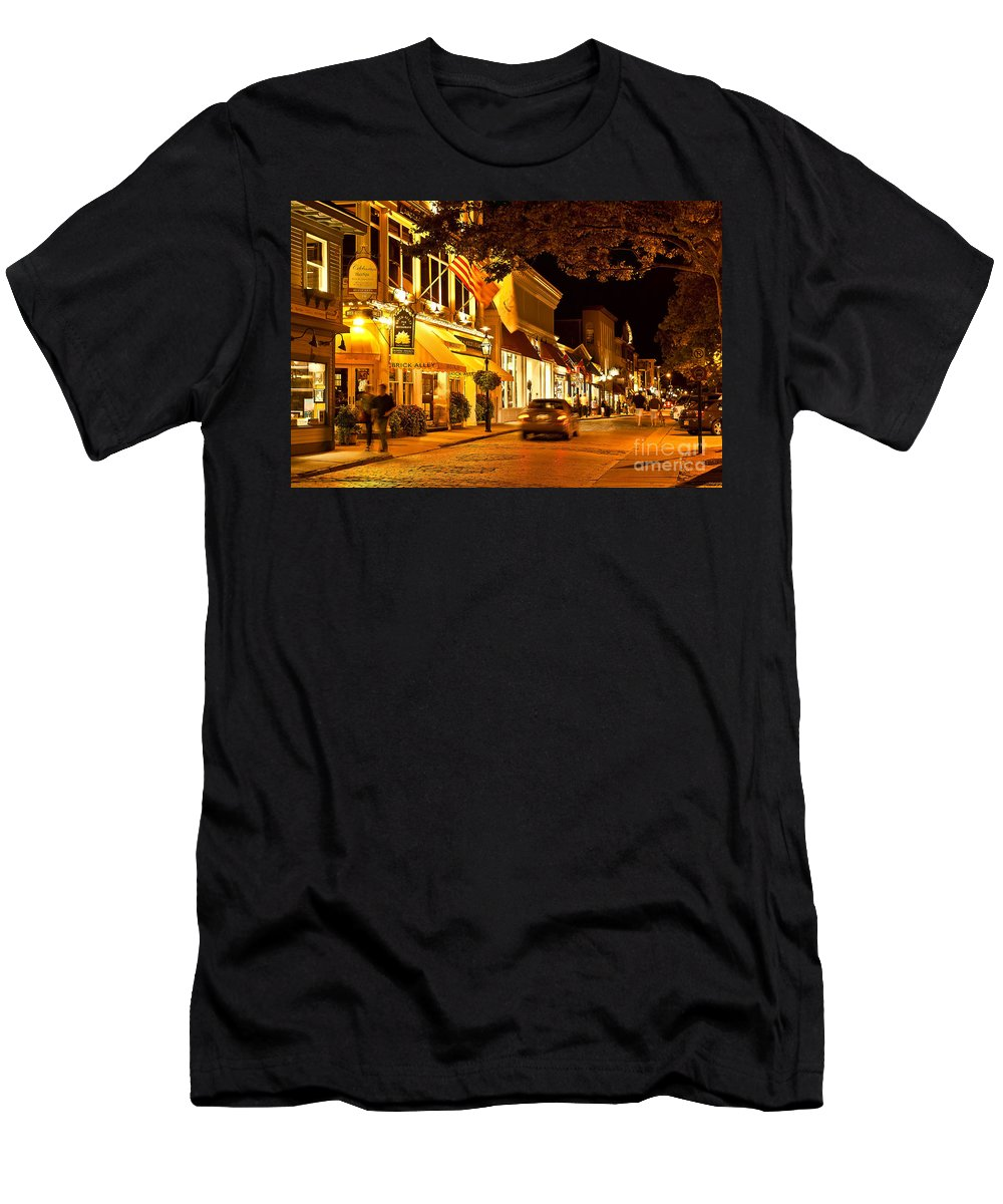 Brick Alley Men's T-Shirt (Athletic Fit) featuring the photograph Downtown Newport by John Greim