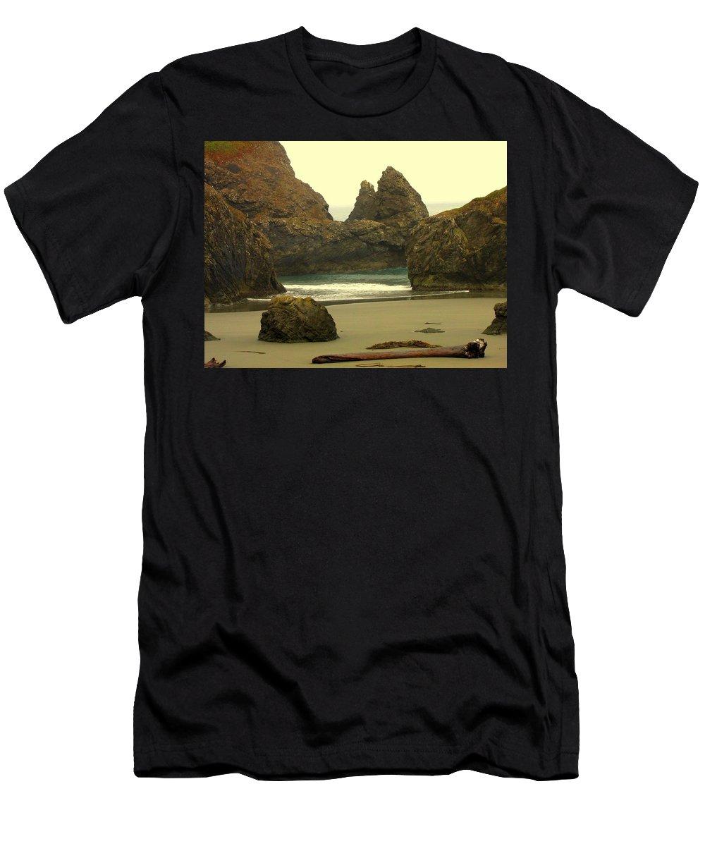 Oregon Coast Men's T-Shirt (Athletic Fit) featuring the photograph Drift Away by Judy Garrett