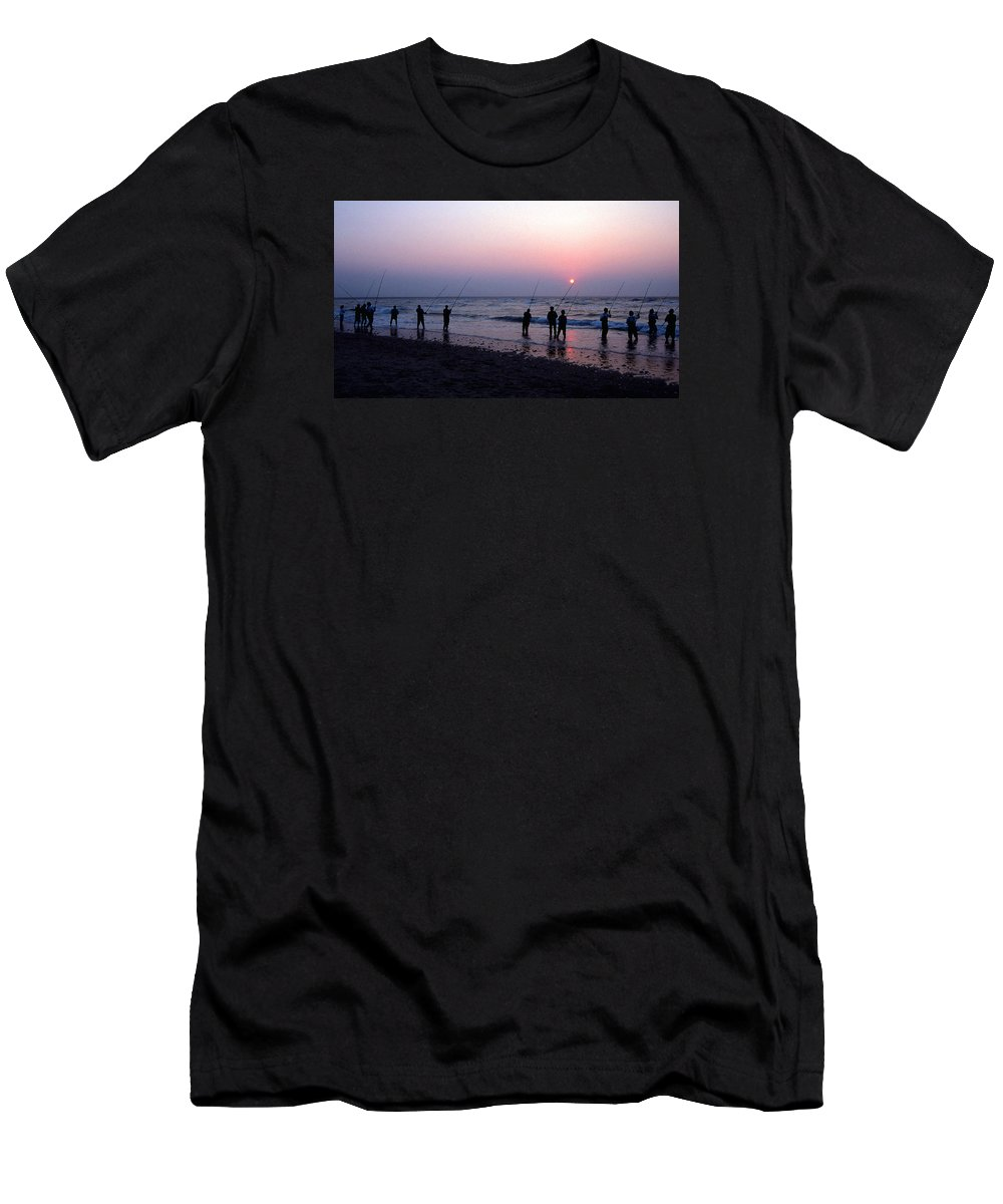Nc Men's T-Shirt (Athletic Fit) featuring the photograph Drum Run Cape Point by Skip Willits