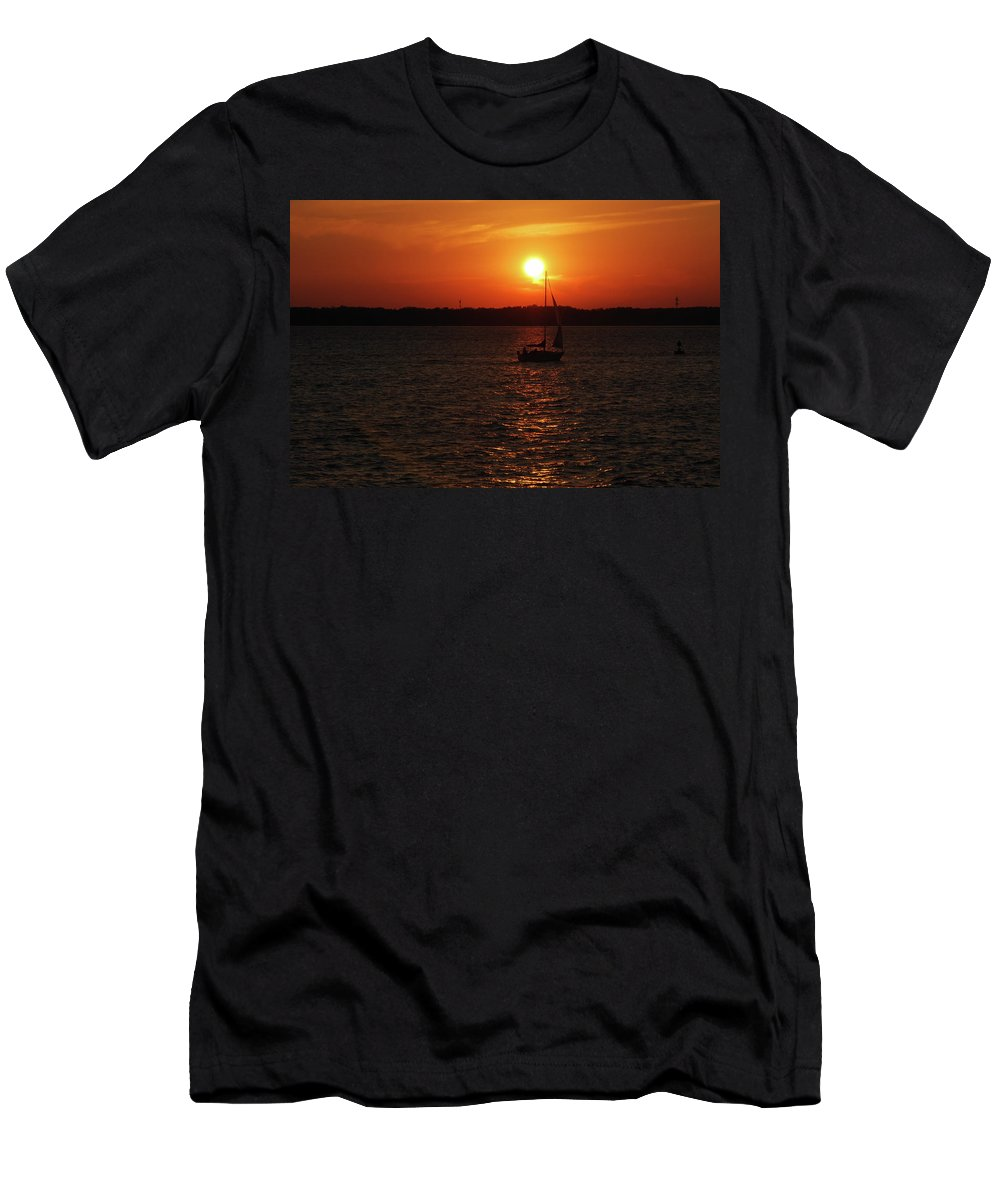 Boats Men's T-Shirt (Athletic Fit) featuring the photograph Erie Basin Sunset 3579 by Guy Whiteley